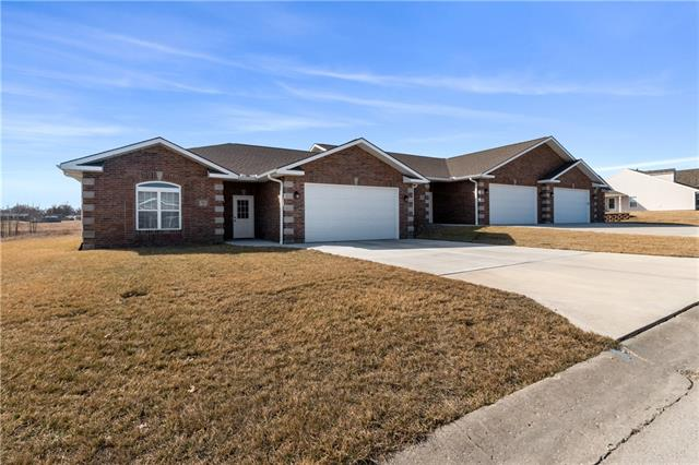 1201A-C Willowbrook Drive Property Photo - Cameron, MO real estate listing