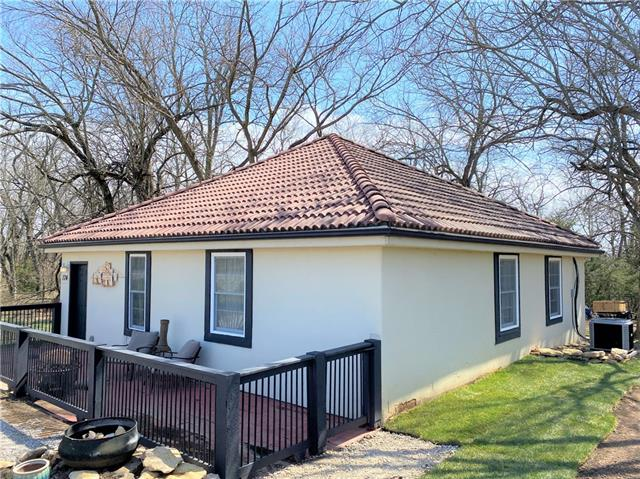 174 S Linn Valley Drive Property Photo - Linn Valley, KS real estate listing