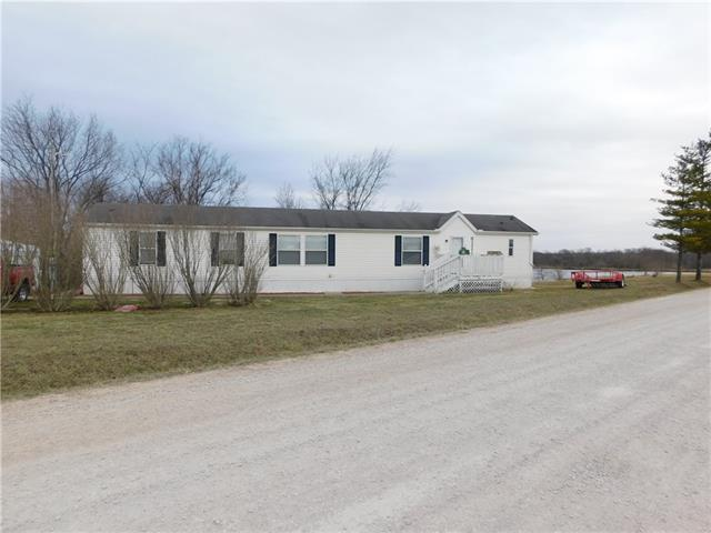 554 SW 150 Road Property Photo - Centerview, MO real estate listing