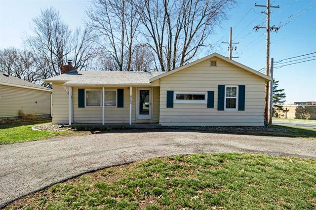 8502 LARSEN Street Property Photo - Overland Park, KS real estate listing