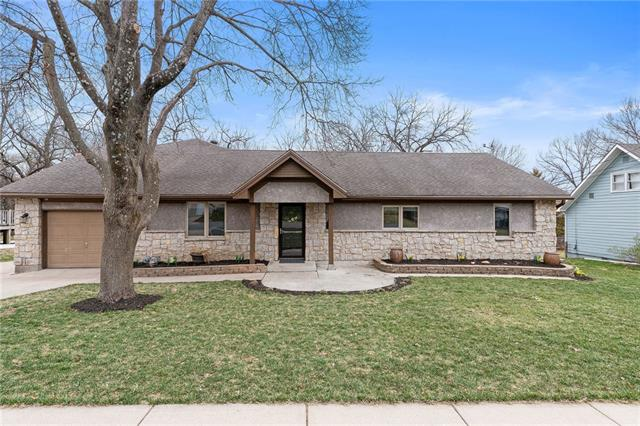 7810 Hemlock Street Property Photo - Overland Park, KS real estate listing