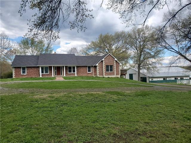 27497 Tonganoxie Road Property Photo 1