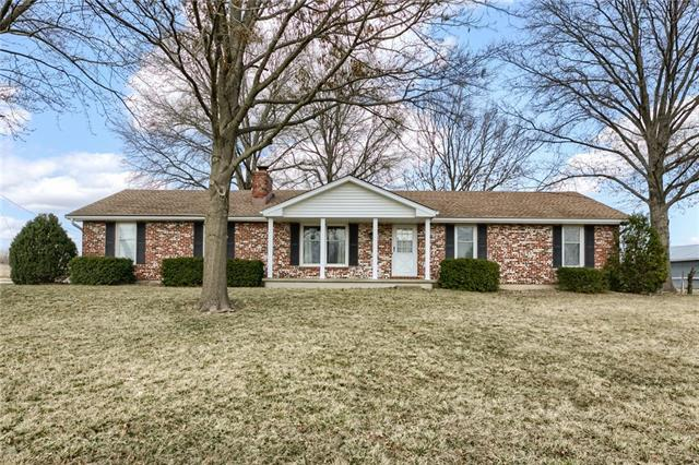 7807 S Hardsaw Road Property Photo - Oak Grove, MO real estate listing