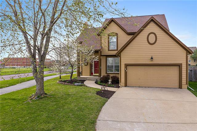 13236 Carter Street Property Photo - Overland Park, KS real estate listing