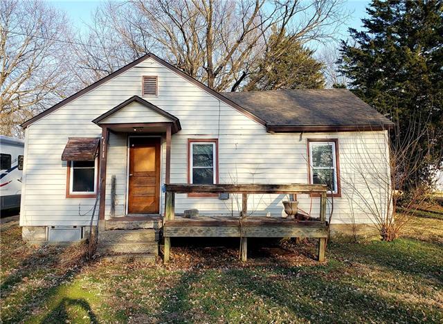 111 S FULTON Street Property Photo - Butler, MO real estate listing