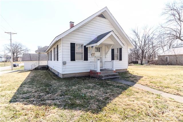 201 & 203 S Smith Street Property Photo - Windsor, MO real estate listing