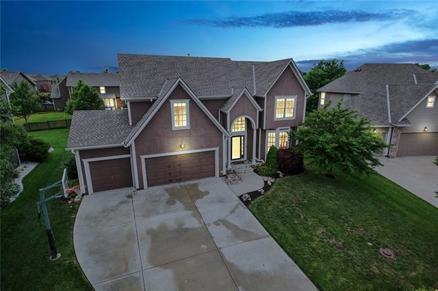 16110 S Laurelwood Street Property Photo - Olathe, KS real estate listing