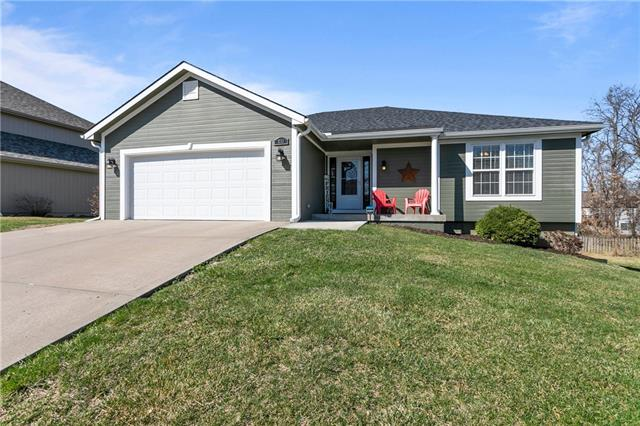 1712 Brooke Court Property Photo - Kearney, MO real estate listing