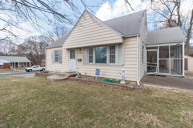 11324 W 55th Street Property Photo - Shawnee, KS real estate listing