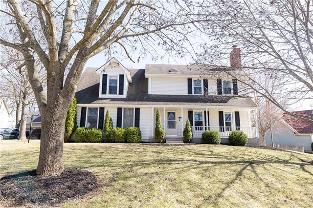 1216 NW OAK LAWN Court Property Photo - Blue Springs, MO real estate listing