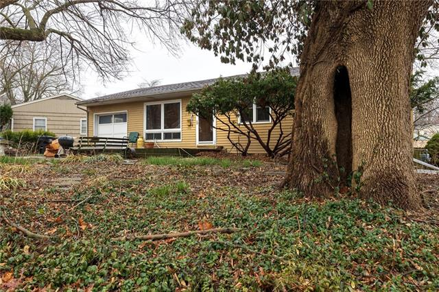 3418 S Claremont Avenue Property Photo