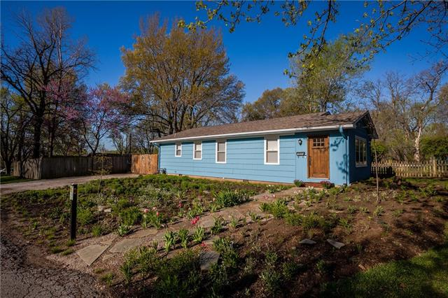 211 E 89th Street Property Photo - Kansas City, MO real estate listing