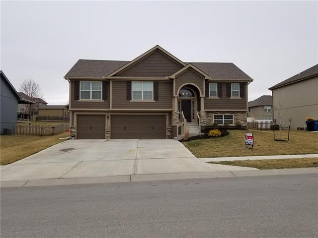 1702 SYCAMORE Ridge Property Photo - Kearney, MO real estate listing