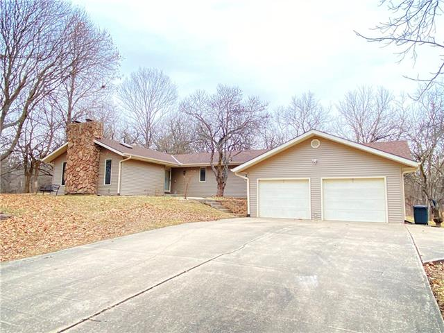5705 Briarwood Court Property Photo - St Joseph, MO real estate listing