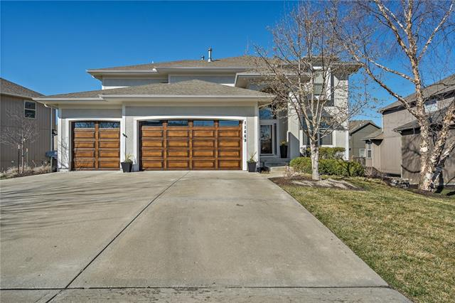 11469 S Lakecrest Drive Property Photo - Olathe, KS real estate listing