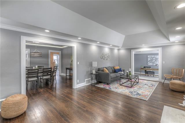 7301 Summit Street Property Photo - Kansas City, MO real estate listing