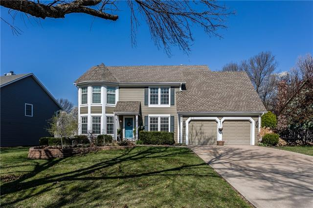 8006 Lichtenauer Drive Property Photo - Lenexa, KS real estate listing