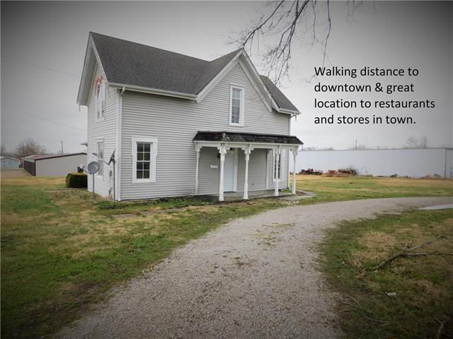 300 W Mckissock Street Property Photo - Holden, MO real estate listing