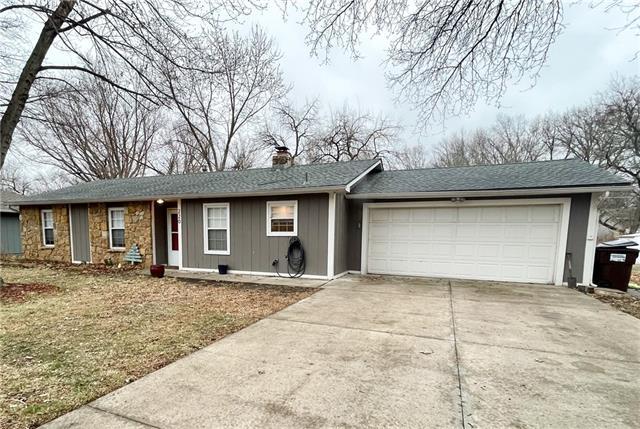 220 N Crestline Drive N Property Photo - Lawrence, KS real estate listing
