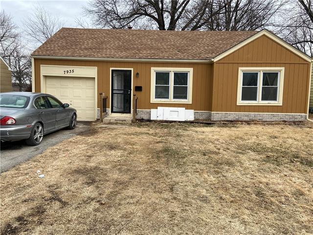 7935 Hickman Mills Drive Property Photo - Kansas City, MO real estate listing
