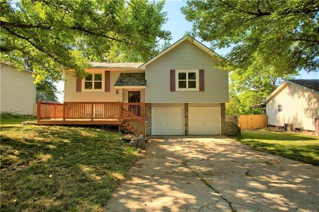 821 E Cothrell Street Property Photo - Olathe, KS real estate listing