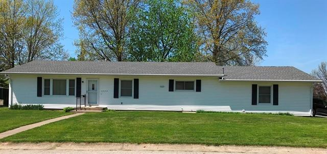 1755 Skier Point Property Photo - Trenton, MO real estate listing