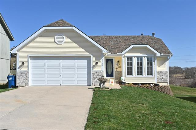 1216 Meadow Lark Court Property Photo - Liberty, MO real estate listing