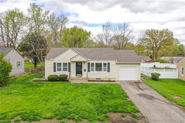 12124 W 64th Street Property Photo - Shawnee, KS real estate listing