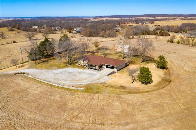 25800 Linwood Road Property Photo - Lawrence, KS real estate listing