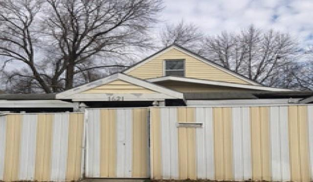 1621 Cambridge Avenue Property Photo - Kansas City, MO real estate listing
