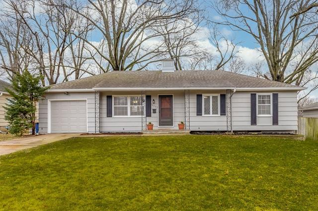 10205 W 88th Terrace Property Photo - Overland Park, KS real estate listing