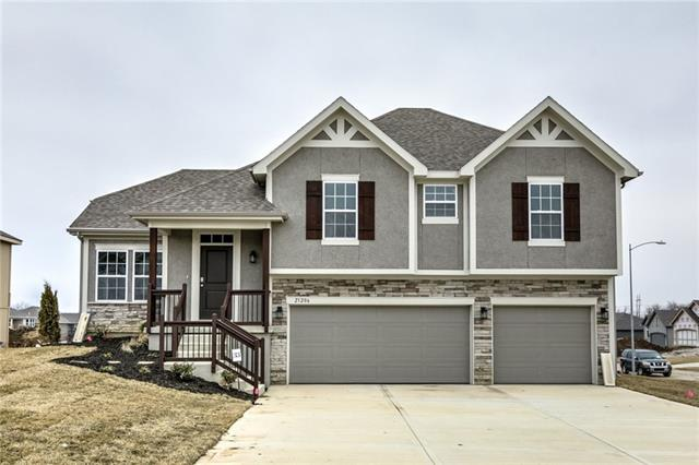 3713 NW Old Stagecoach Road Property Photo - Kansas City, MO real estate listing