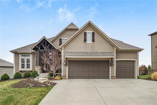 9645 Zarda Drive Property Photo - Lenexa, KS real estate listing