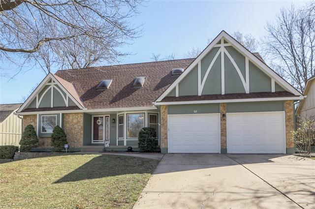 11513 Robinson Street Property Photo - Overland Park, KS real estate listing