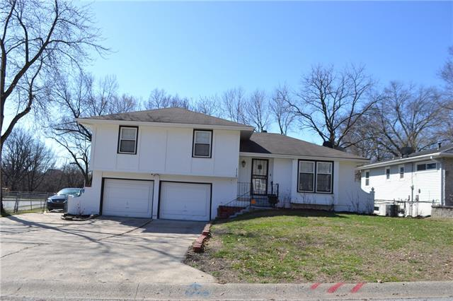 115 E 98TH Street Property Photo - Kansas City, MO real estate listing
