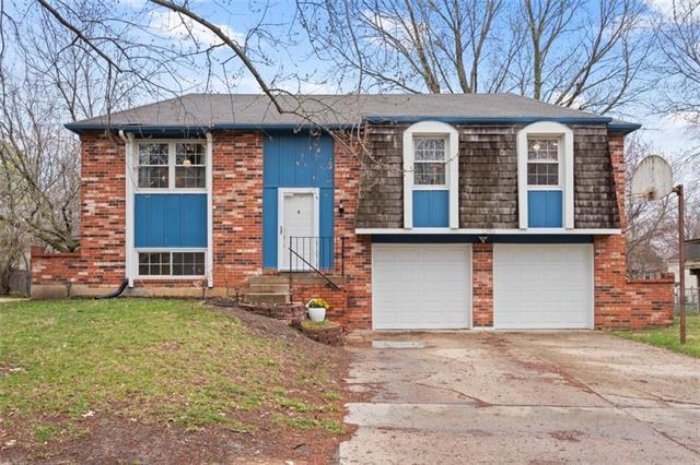 12911 S Sycamore Street Property Photo - Olathe, KS real estate listing