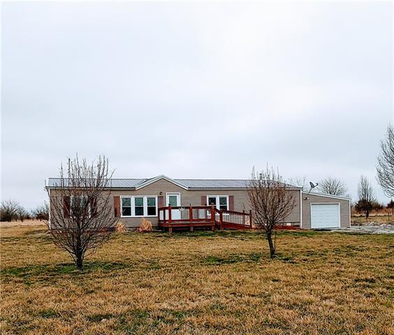 1055 SE 475 Road Property Photo - Knob Noster, MO real estate listing
