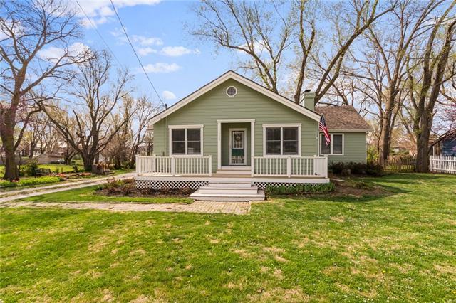 13325 W 61st Street Property Photo
