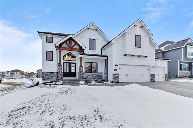 11414 Bluestem (Lot 18) Drive Property Photo - Kearney, MO real estate listing