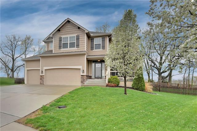 1407 Anna Circle Property Photo - Smithville, MO real estate listing
