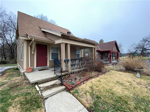 6604 Broadmoor Street Property Photo - Kansas City, MO real estate listing