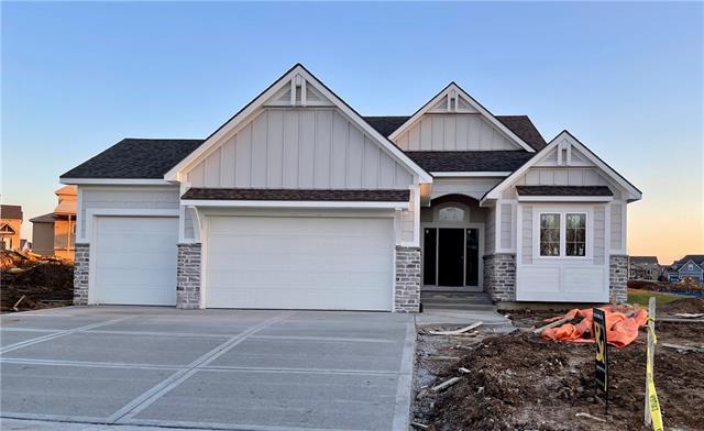 8025 NE 103rd Street Property Photo - Kansas City, MO real estate listing