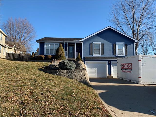 126 Parkview Court Property Photo - Lansing, KS real estate listing