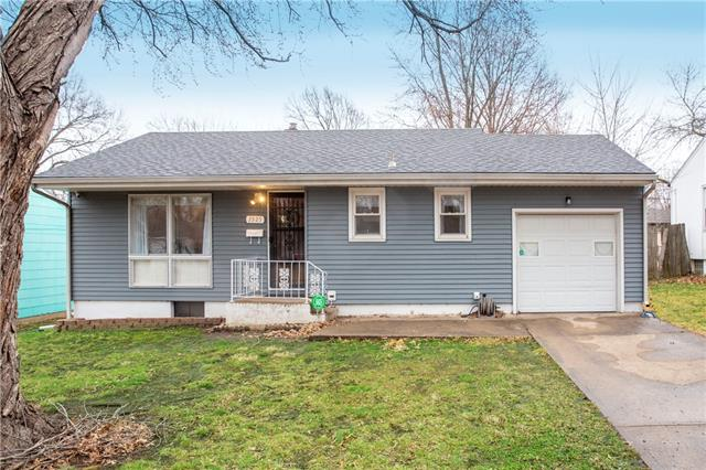 2925 S HEDGES Avenue Property Photo - Independence, MO real estate listing
