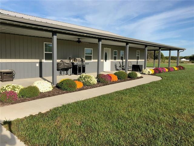 972 County Road 14004 N/A NE Property Photo - Adrian, MO real estate listing
