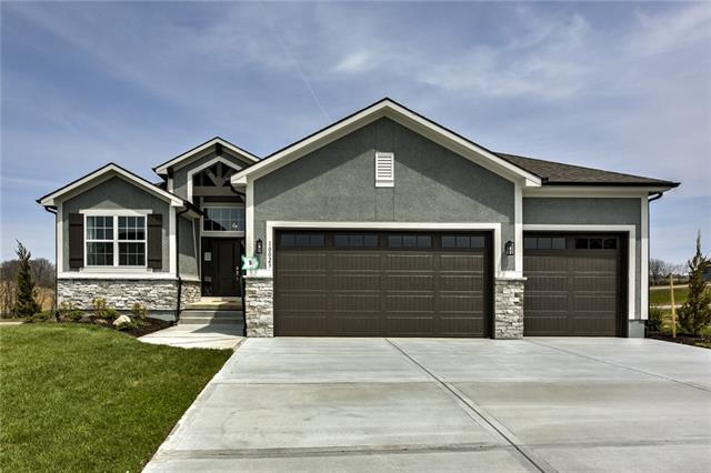 8021 NE 103rd Street Property Photo - Kansas City, MO real estate listing