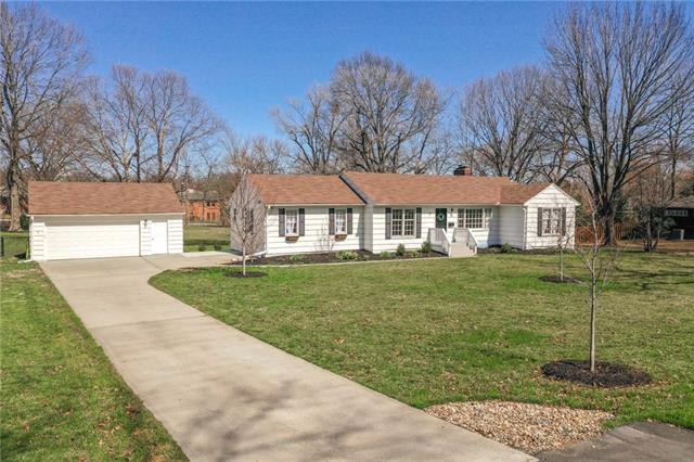 112 Glen Arbor Road Property Photo - Kansas City, MO real estate listing