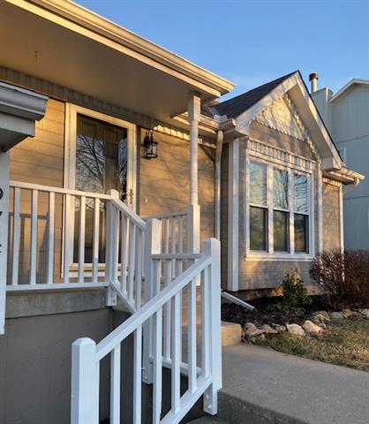 9741 N Ash Avenue Property Photo - Kansas City, MO real estate listing