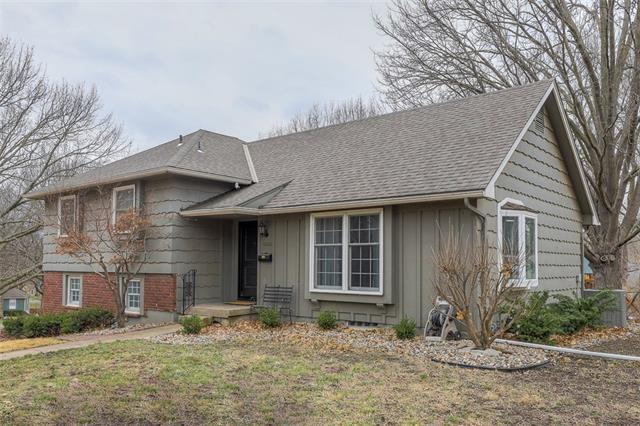 10800 W 97th Street Property Photo - Overland Park, KS real estate listing