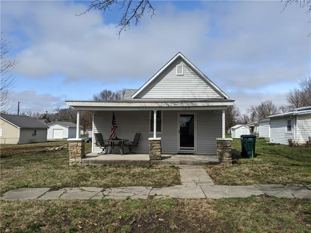123 E Pine Street Property Photo - Drexel, MO real estate listing